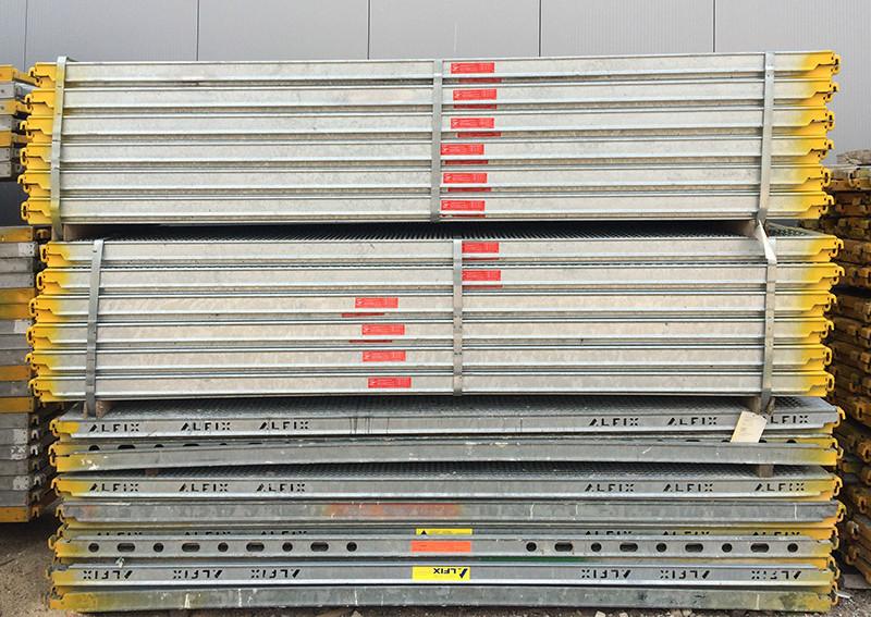 Neues Gerüstbau-Material garantiert Sicherheit bei Gerüstbau Peters aus Bedburg-Hau