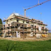 Fassadengerüst Fassaden-Gerüst längenorientierte Gerüstkonstruktion Gerüstbau Peters Kleve Bedburg Hau